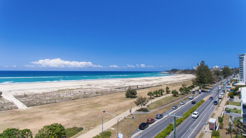 Make the Southern Gold Coast Yours with Our Kirra Beach ...
